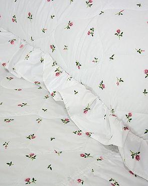 Rosebud Bedspread