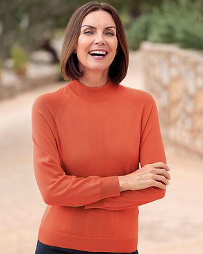Merino Wool Turtle Neck Sweater - Cinnamon