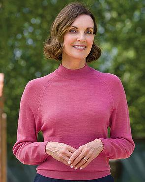 Merino Wool Turtle Neck Sweater - Rose