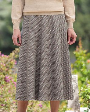 10d911f4fb9 Ladies End of Range Skirts From Country Collection
