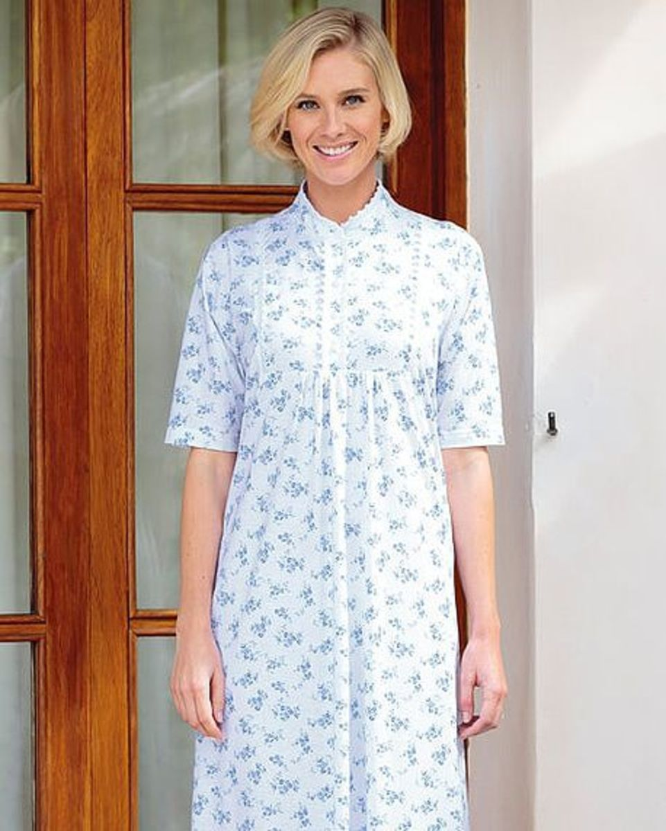 a12d7e659e Short Sleeve Floral Ladies Nightdress. Machine Washable. Sizes S-XL.