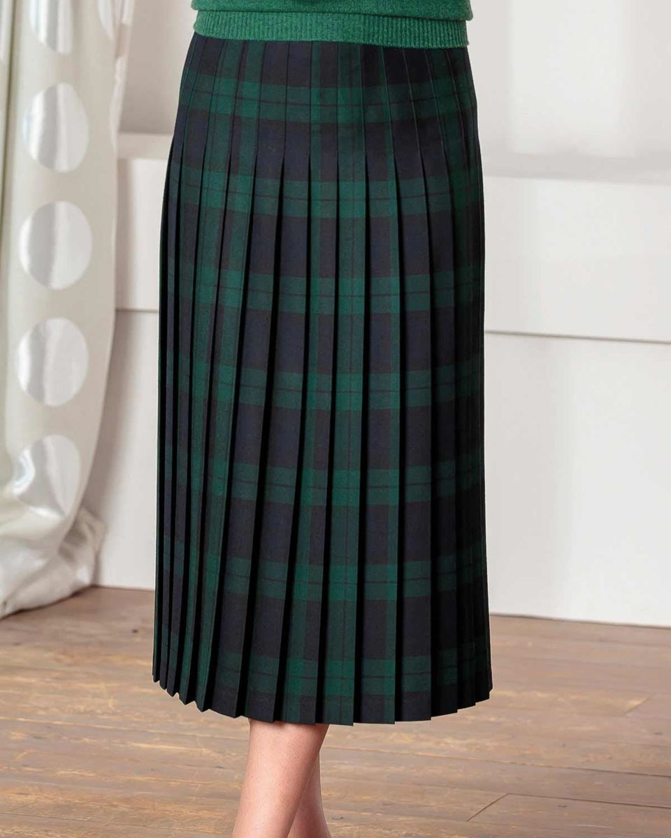9e4585f648a01a Ladies Brampton Pure Wool Blackwatch Check Skirt. Dry clean only.
